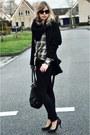 Green-jack-jones-blouse-black-big-oversized-zara-coat