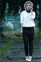 white oversized Zara sweater - black Mango pants - white Mango wedges