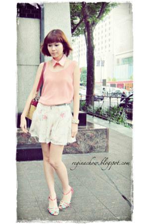 vintage aigner bag - floral chiffon no brand shorts - teal charm no brand belt -