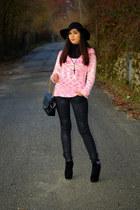 black H&M hat - black Chanel bag - black H&M pants - black Aldo wedges