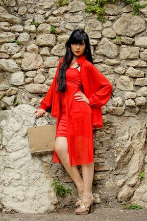 red sammydress dress - camel cinti sandals
