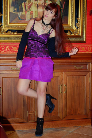black Guess boots - purple Jennifer top - purple Front Row Shop skirt
