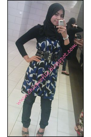 Forever 21 dress - MNG jeans - NeonReiko belt