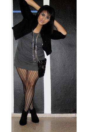 black Zara coat - gray Forever 21 t-shirt - black payless stockings - black Fore