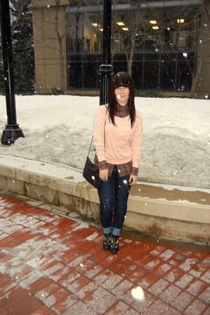 blue cotton Mavi jeans - brick red plaid vintage shirt - light pink cropped Amer