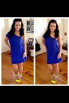 blue silk Zara dress - yellow Christian Louboutin pumps