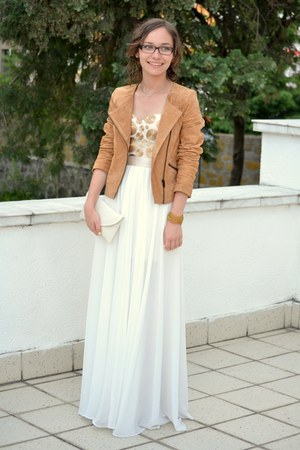 ivory dress - tawny Bershka jacket - ivory bag - gold bracelet