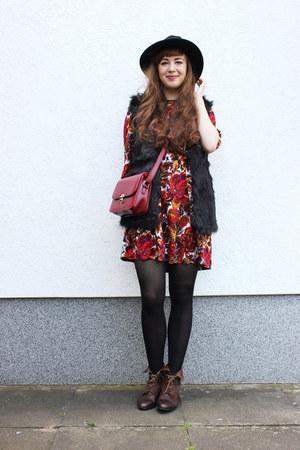 ruby red DressLink bag - brick red OASAP dress - black DressLink vest
