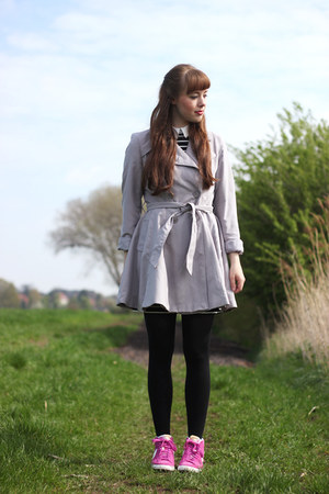 pink nike sneakers - heather gray Primark coat