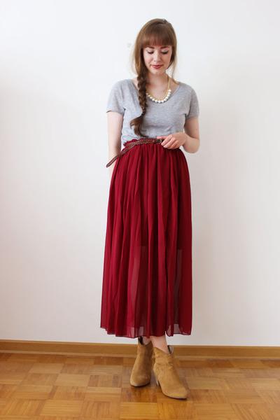 ruby red OASAP skirt - neutral LYDC LONDON bag