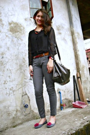 black Top top - gray St Francis Square pants