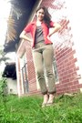 Ruby-red-kamiseta-top-dark-gray-glamnfab-shoppe-top-dark-khaki-freeway-pants