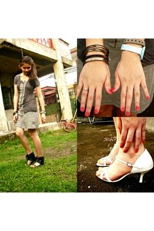 white crossroads heels - black Parisian boots - gray Gift from Ella dress