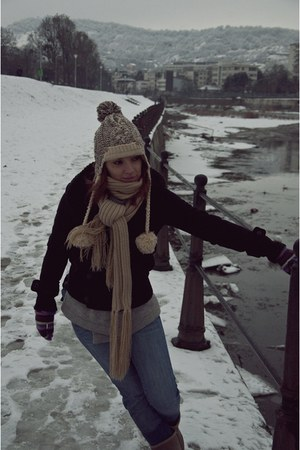 Rieker boots - Pull & Bear coat - Outfitters Nation jeans - meli melo hat