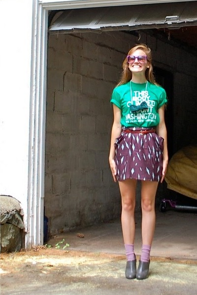 green vintage shirt - red vintage belt - purple madewell skirt - purple H&M sock