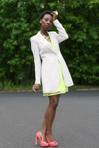 lime green dress - off white blazer - salmon wild diva pumps