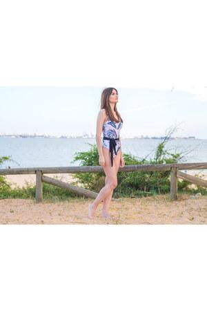 white shein swimwear