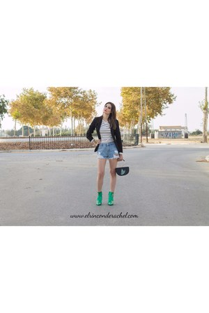 black embroidered bag - light blue zaful shorts