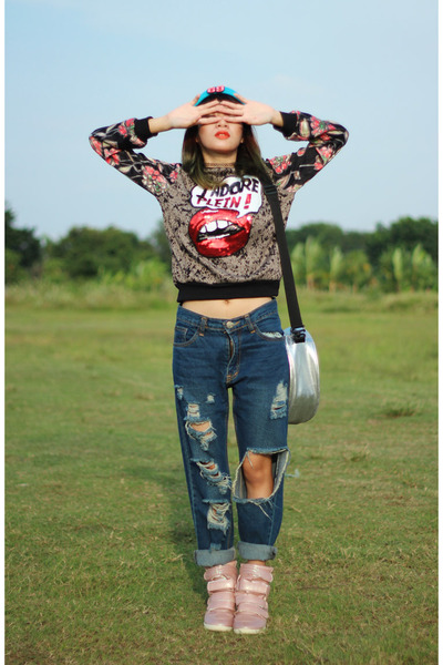 Lasenora shoes - 8wood bag - Ayata sweatshirt