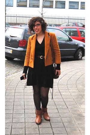Uterqe boots - Zara coat - vintage bag - vintage belt