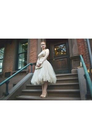 eggshell Peggy Hunt dress - cream Forever 21 heels