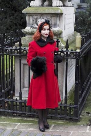 red Moms old coat coat - red Lulu Guinness bag - black H&M heels