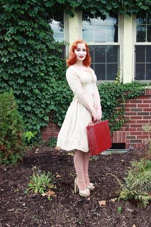 lace chiffon La Rosa dress - Forever 21 heels