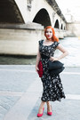 Black-1950s-dress-from-beyond-retro-dress-red-1930s-bag-from-beyond-retro-bag