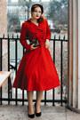Red-collectif-london-coat-black-beyond-retro-hat-peekaboo-bag