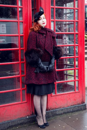 black vintage from Beyond Retro coat - black Joanna Violet hat