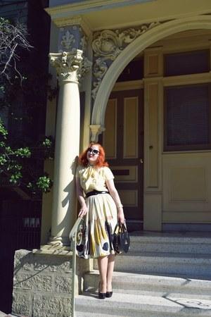 black Vivienne Westwood bag bag - black DVT sunglasses sunglasses