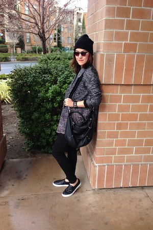 beanie hat - sneakers shoes - coat - legging jeans