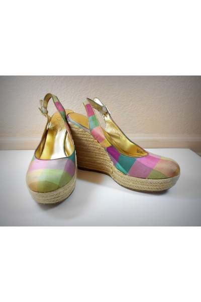Jessica Simpson wedges