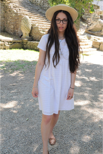 white vintage dress - straw Topshop hat - round Ray Ban glasses