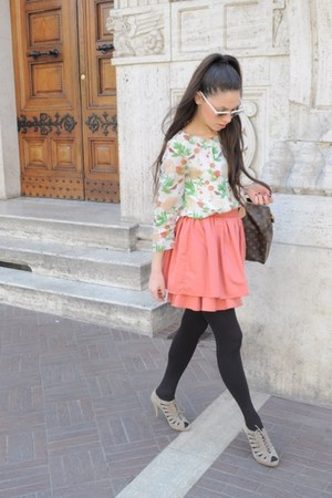 flowered H&M shirt - borrowed Louis Vuitton bag - Ray Ban sunglasses - old H&M s