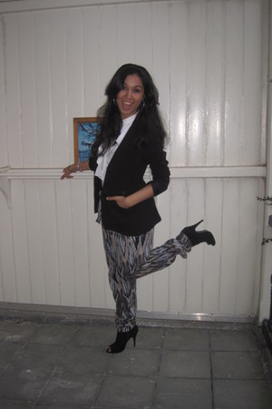 black Noma blazer - white BCBG blouse - multi coloured Vero Moda pants