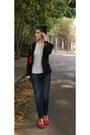 Zara-shirt-h-m-jeans-sandros-blazer-carolina-herrera-bag
