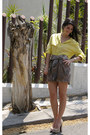 Yellow-ann-taylor-shirt-heather-gray-aryn-k-skirt-beige-boutique-9-pumps