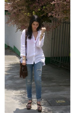 light blue abercrombie and fitch jeans - mustard Forever  21 ring - white blouse