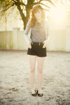 black H&M shorts - black unknown shoes - beige UO accessories - blue f21 blouse