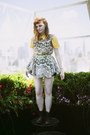 Black-classic-dr-martens-boots-yellow-yellow-collared-vintage-dress