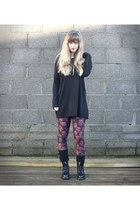 all black Dr Martens boots - red zombies Black Milk leggings