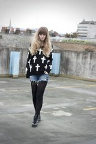 cross jumper romwe cardigan - all black Dr Martens boots