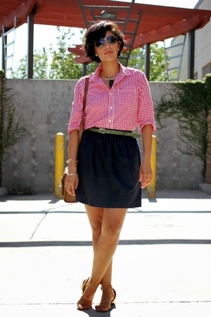 ruby red Tommy Hilfiger blouse - navy SUO Boutique skirt - tawny me too sandals