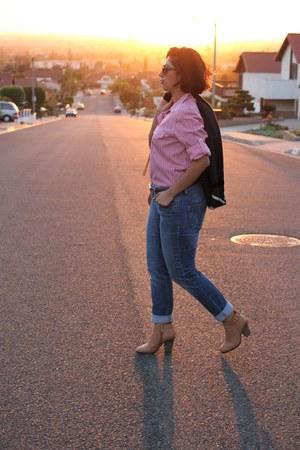 nude coach boots - blue calvin klein jeans - navy bcbg max azria blazer
