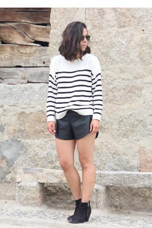 Topshop boots - Mango sweater - Oysho shorts