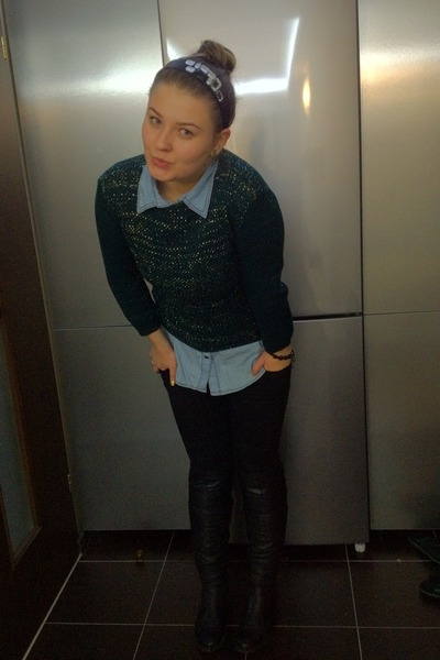 green H&M sweater - black leather made boots - black Zara jeans