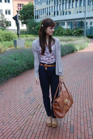 brown strappy wedges no-name shoes - pink flower shirt no-name shirt