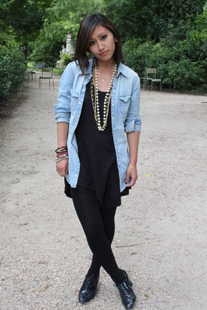 blue H&M shirt - black H&M top - new look necklace
