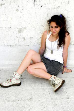 47 street boots - 47 street skirt - wanama t-shirt